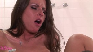 Rachel Roxxx Fucks In The Shower