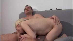Flexible blonde girl gets her pussy eaten