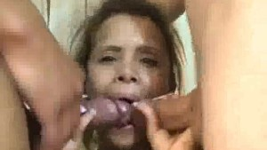 Amateur latina enjoying threesome