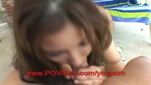 18 year old amateur model Roxanne blow job