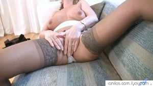 Sexy mature has rubbing orgasm