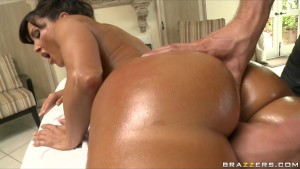big titted big-booty milf lisa ann is penetrated by her masseur s big-dick | Porno en HD