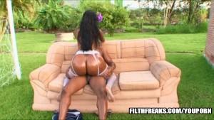 Dyana Diez has a delicious Latina ass!!