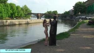 Hot Babe Denisa Naked On Public Streets