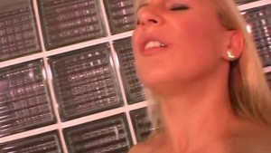 Amateur Milf anal and facial shot in her bathroom