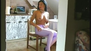 Sweet Cisara flexi posing in spandex