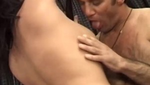 Hot brunette gets laid in her dressing room - Telsev