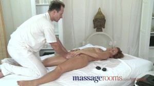 Massage Rooms Milf legend Silvia shows masseur how to get really dirty