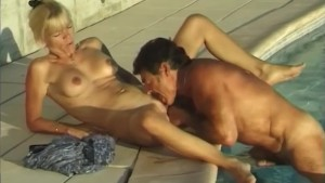 Blonde blows in the pool and fucks in a tent - Telsev