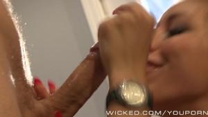 Rilynn Rae gets seduced by new bf