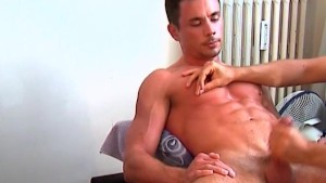 A real sport trainer gets wanked by us on video !