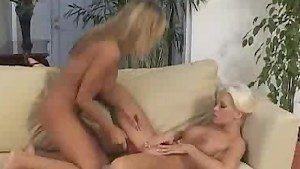 Lesbos Getting Both Ends Of The Dildo