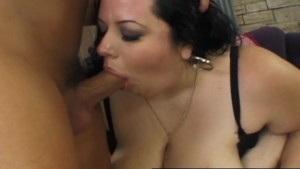 A bald guy feeds his dick to plump temptress Desiree Devine