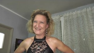 Sylvie a naughty beautiful mature