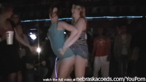 flashing and stripping naked in spring break club iphone video