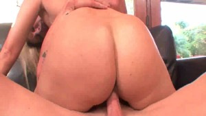 Alluring MILF gets her ass fucked