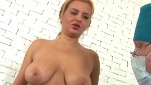 Big-tittied girl and horny gynecolgoist
