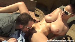 Busty Babe Gianna Michaels Rides A Big Dick Out In The Desert!