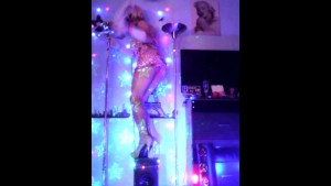 Mad blowjob Spanish T-Girl wrapped in lights.