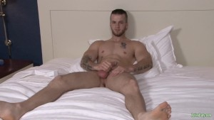 Active Duty Gorgeous Quentin Masturbating