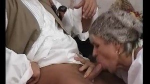 GILF Shows Young-Dick How To Fuck - Julia Reaves