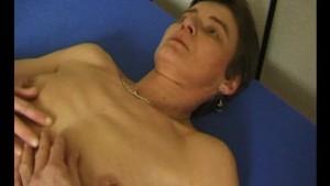Older milf get s naked for the camera - Julia Reaves