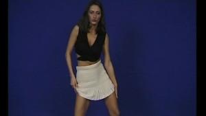 She s got the moves - Julia Reaves