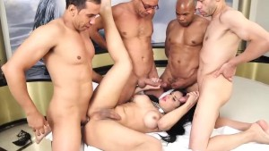 Bruna Butterfly Gangbang Part 2