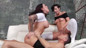 Horny babes Jada and Karmen in a threeway fucking