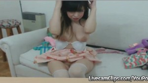 Play With This Naughty Teen Bunny On Webcam!