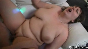 Hot sex with plump chick