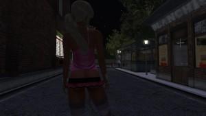 Une jolie blonde virtuel en mini jupe rose en pleine nuit