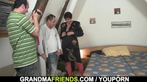 Old grandma in red lingerie threesome