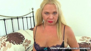 British milf Francesca loves toying her pussy and ass