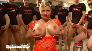 Super Busty MILF Knows how to please Men - German Goo Girls