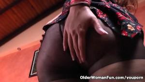 Latina BBW milf Sandra gets naughty in nylon