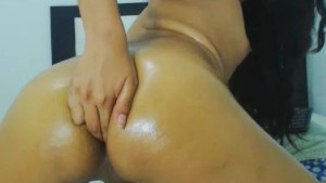Amateur Tranny Plays Her Ass and Cock
