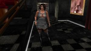 Une jolie brune virtuelle en mini robe et en bas collant noir - virtuelsexe