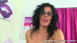 Spanish milf Montse Swinger peels off nylon and fucks dildo
