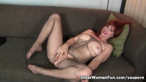 American milf Amber Dawn pleas