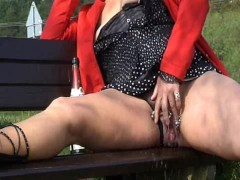 Picture MrsPaarira Pierced Milf squirting Outdoor 1