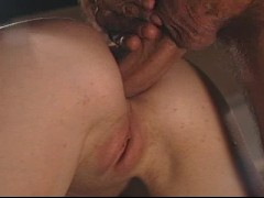 Picture MILF shows how hard she can work