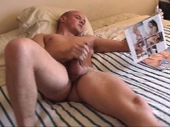 Picture He beats his meat while looking at dick in b...
