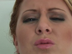 Picture Plump sexy Paris in the shower