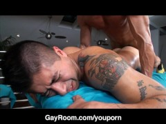 Picture GayRoom: Holiday Massage Seduction