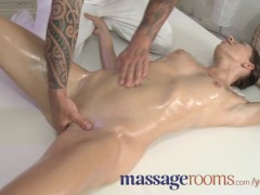 Picture Massage Rooms Sexy babe is bathed before rec...