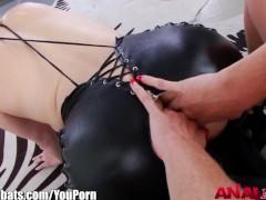 pussy_160630