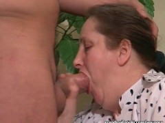 Picture Grannies sucking cocks like 20y-Girls