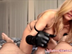 Picture Sexy Milf Julia Ann Gives HandJob with Latex...