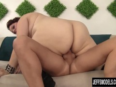 Picture BBW Buxom Bella in a Holiday Fuck